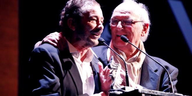 Juan Diego, recoge el  premio 'A toda una vida' a manos de Carlos Saura